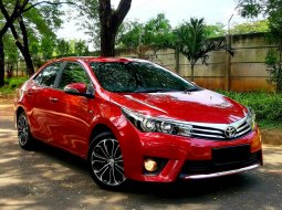 Dijual cepat Toyota Corolla Altis 1.8 V 2015/2016 Merah, DKI Jakarta