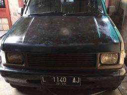 Mobil Isuzu Panther 1995 terbaik di Jawa Timur