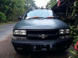 Jual mobil Chevrolet Blazer DOHC 1996 bekas, Jawa Timur