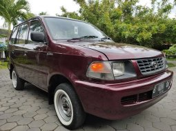 DIY Yogyakarta, Toyota Kijang SX 2002 kondisi terawat