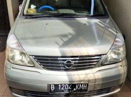 Mobil Nissan Serena 2004 Highway Star terbaik di Jawa Barat