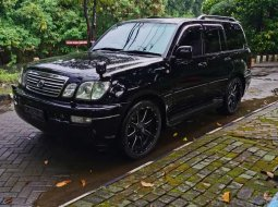 Mobil Toyota Land Cruiser 2006 terbaik di Jawa Timur