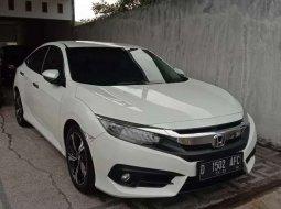 Dijual mobil bekas Honda Civic ES, Jawa Timur