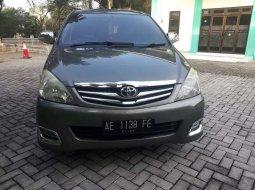 Jawa Timur, Toyota Kijang Innova 2.4V 2009 kondisi terawat