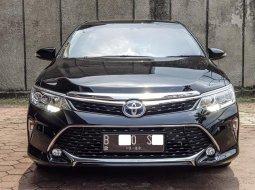Dijual cepat Toyota Camry 2.5 Hybrid 2018 di DKI Jakarta