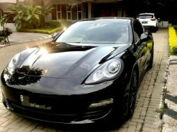 Dijual mobil Porsche Panamera Hybrid 3.0L 2011 di Jawa Barat