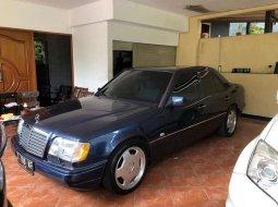 Jual Mercedes-Benz E-Class E 320 1994 harga murah di Jawa Barat