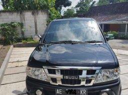 Jawa Timur, Isuzu Panther 2014 kondisi terawat