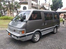 Dijual cepat Mazda E2000 2.0 Manual 1997 di Jawa Timur