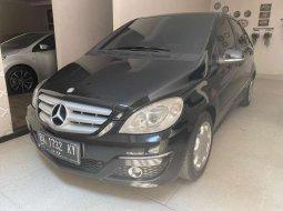 Jual mobil bekas murah Mercedes-Benz B-CLass B 180 2011 di Sumatra Utara