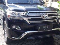 Jual mobil bekas murah Toyota Land Cruiser 2017 di Jawa Timur