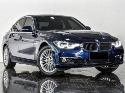 Dijual mobil bekas BMW 3 Series 320i 2018 di Depok
