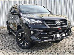 Dijual cepat mobil Toyota Fortuner TRD 2017 di Depok