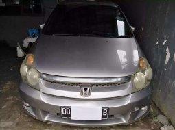 Jual Honda Stream 2.0 2004 harga murah di Sulawesi Selatan