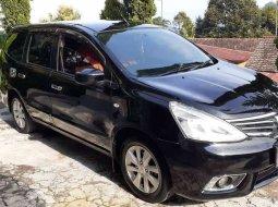 Mobil Nissan Grand Livina 2013 XV terbaik di Jawa Timur