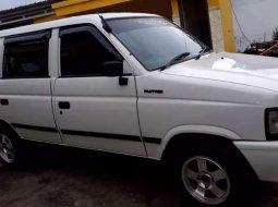 Mobil Isuzu Panther 1999 dijual, Jawa Timur