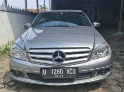 Dijual cepat Mercedes-Benz C-Class C200 K 2009 di Jawa Barat