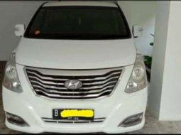 Mobil Hyundai H-1 2014 Elegance terbaik di DKI Jakarta