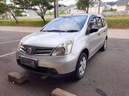 Mobil Nissan Grand Livina 2013 SV terbaik di Jawa Barat