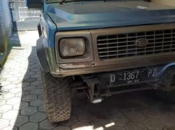 Mobil Daihatsu Feroza 1994 terbaik di Jawa Barat