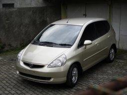 Dijual cepat Honda Jazz i-DSI MT 2004 di Jawa Barat