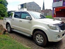 Jual Mobil Toyota Hilux D Cab 2013 Bekas di Sumatra Utara