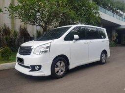 Jual Cepat Mobil Toyota NAV1 2.0 NA 2013 di DKI Jakarta
