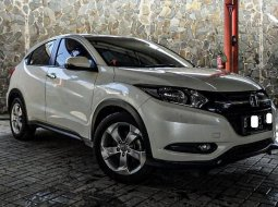 Dijual mobil bekas Honda HR-V E 2017 di Depok