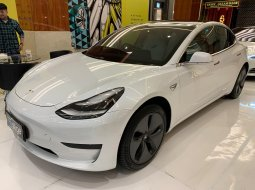 Dijual Mobil Tesla Model 3 Standard Range Plus 2019 DKI Jakarta