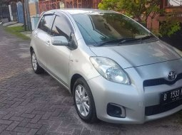 Jual Toyota Yaris J 2000 harga murah di Jawa Barat