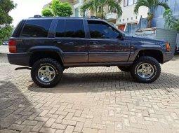 Lampung, jual mobil Jeep Cherokee Limited 2000 dengan harga terjangkau