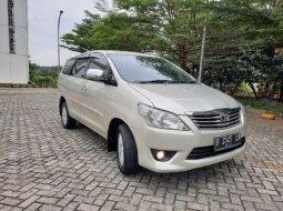 Dijual Mobil Toyota Kijang Innova 2.0 G 2011 Istimewa di Depok