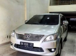 Dijual cepat Toyota Kijang Innova 2.0 G 2013 di Sumatra Utara