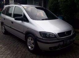 Mobil Chevrolet Zafira 2001 CD terbaik di Jawa Barat