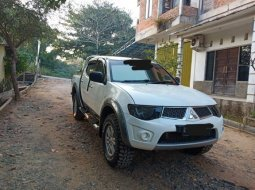Dijual Mitsubishi Triton GLX 4x4 2011 di Kalimantan Selatan