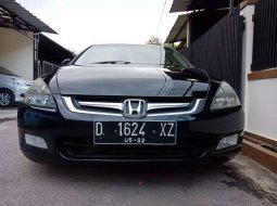 Jawa Barat, Honda Accord VTi 2004 kondisi terawat