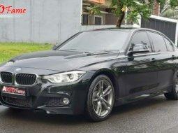 Dijual cepat mobil BMW 3 Series 330i 2016 di DKI Jakarta