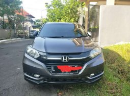 Mobil Honda HR-V 2015 E CVT terbaik di Jawa Timur