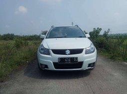 Jawa Barat, Suzuki SX4 Cross Over 2010 kondisi terawat