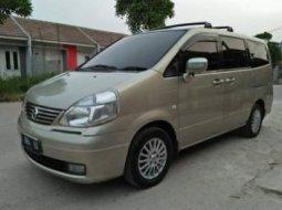 Dijual Mobil Nissan Serena Highway Star 2005 di Banten