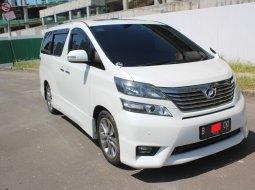 Dijual cepat mobil Toyota Vellfire Z AUDIOLESS AT 2011 Putih, DKI Jakarta
