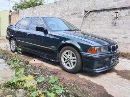 Jual Mobil BMW 3 Series 320i 1995 Hijau, DKI Jakarta