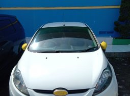 Dijual cepat mobil Ford Fiesta Trend 2012 di Jawa Barat