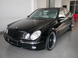 Dijual [Harga Corona] Mercedes-Benz E 240 2004 area Kulon Progo, DIY Yogyakarta