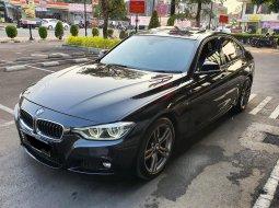Dijual Mobil BMW 3 Series F30Lci 330i Msport Black on Black 2015 di DKI Jakarta