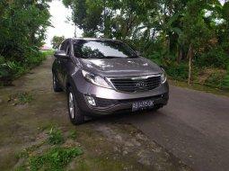 Dijual Mobil Bekas Kia Sportage SE 2.0 AT 2011 di DI Yogyakarta