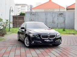 Dijual Mobil BMW 5 Series 528i 2016 Hitam di Jawa Timur