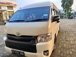 Dijual mobil Toyota Hiace High Grade Commuter 2014 di Bogor