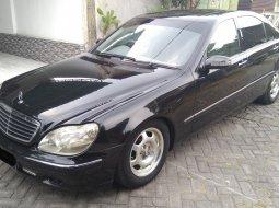 Dijual cepat Mercedes-Benz S-Class S 320 L 2001 di Jawa Timur
