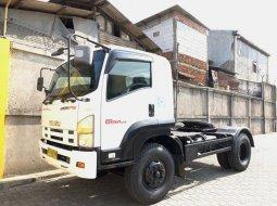 Dijual Mobil Kepalatrailer GVR34H Isuzu Giga Engkel Tractor Head 2017, DKI Jakarta